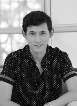 Oscar Soto, Director Creativo.
